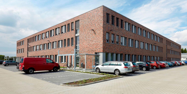Gebäude der Agentur für Arbeit und Jobcenter Mettmann