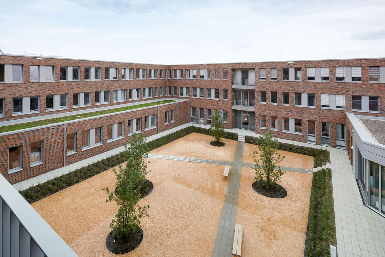 Innenhof Agentur für Arbeit Jobcenter Mettmann